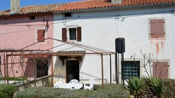 Stone house for sale Marcana